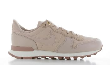 Nike Internationalist Premium Lichtroze Dames