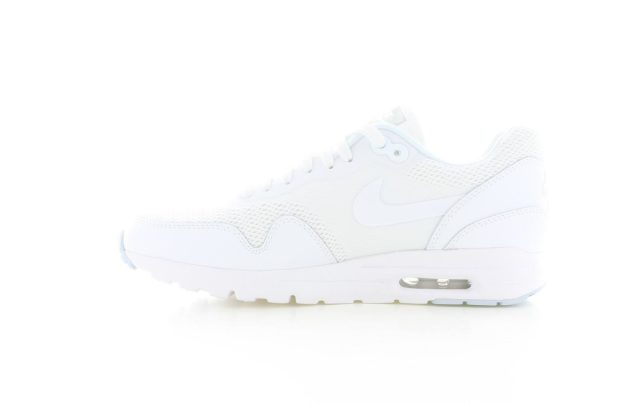 Puma Jogger Pants Grey Unisex 8800402 as well Nike Air Max 1 Ultra Essentials All White Dames 16840 further Sabre A Ch agne besides Streetsnaps Ronnie Fieg besides Fred Perry Fred Perry Crew Neck T Shirt Grigio Fpm633421 14314 Nv5uurvs. on clarks sneakers