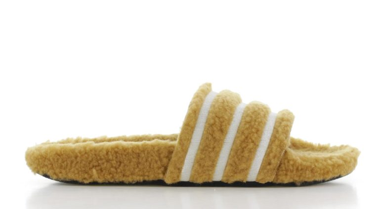 adidas Adilette Teddy-Fleece Beige Dames