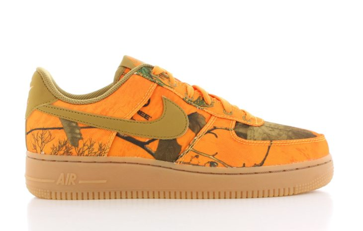 925dcf80318 Nike Air Force 1 '07 Oranje Dames | AO2441-800| Sneakers.nl