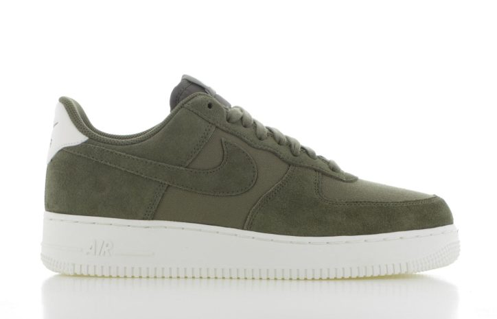new product bf2ac a5b3b Nike Air Force 1 07 Suede Olijf Groen Heren