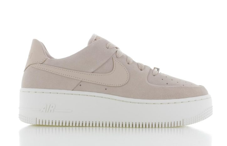 Nike Air Force Sage Low Roze Dames