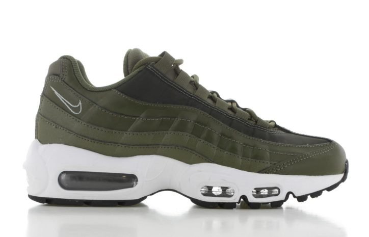 fb4378bcef4 Nike Air Max 95 Groen Dames | 307960-304 | Sneakers.nl