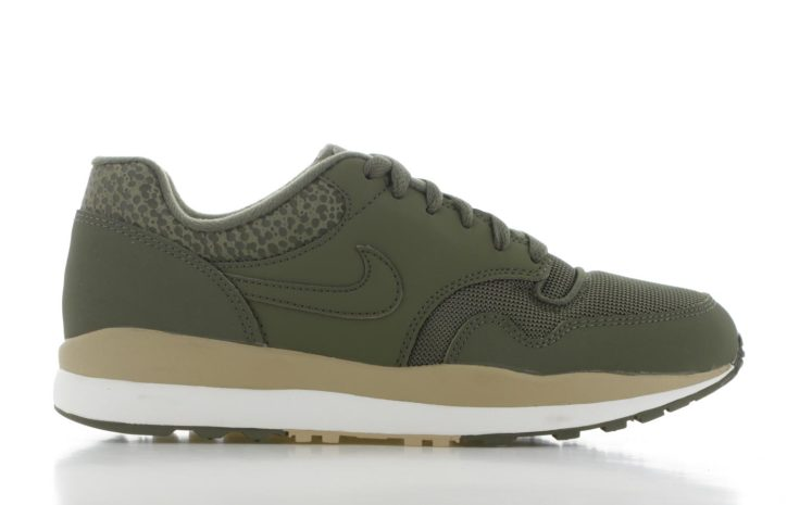46f12c26daa Nike Air Safari Groen Heren | 371740-201 | Sneakers.nl